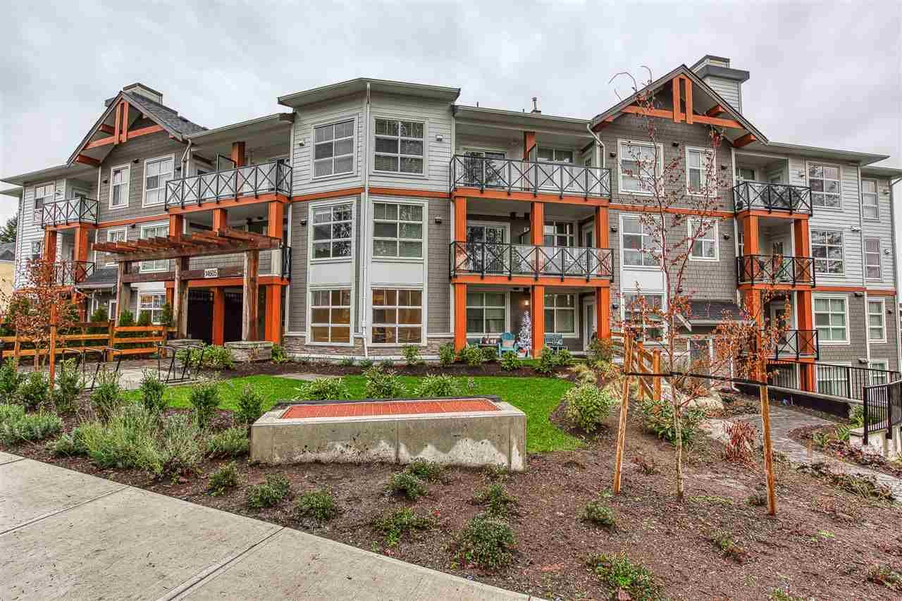 Main Photo: 302 14605 MCDOUGALL Drive in White Rock: King George Corridor Condo for sale (South Surrey White Rock)  : MLS®# R2476304
