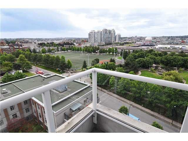 """Main Photo: 1209 550 TAYLOR Street in Vancouver: Downtown VW Condo for sale in """"THE TAYLOR"""" (Vancouver West)  : MLS®# V903570"""