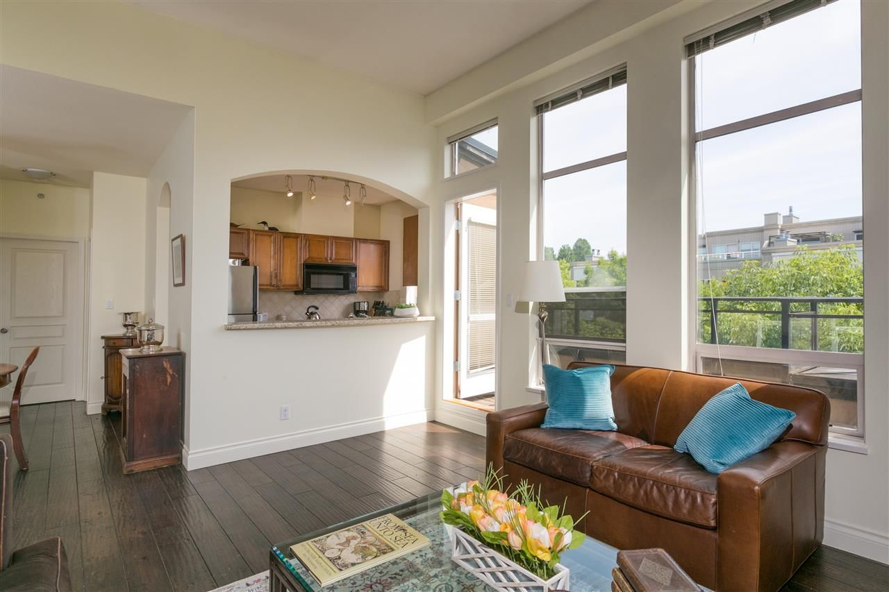 """Photo 4: Photos: 404 2175 SALAL Drive in Vancouver: Kitsilano Condo for sale in """"Savona"""" (Vancouver West)  : MLS®# R2397465"""