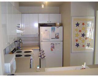 """Photo 4: 413 5888 DOVER Crescent in Richmond: Riverdale RI Condo for sale in """"PELICAN POINT"""" : MLS®# V769131"""