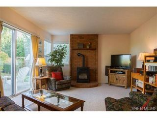 Photo 10: 2441 Costa Vista Pl in VICTORIA: CS Tanner House for sale (Central Saanich)  : MLS®# 739744