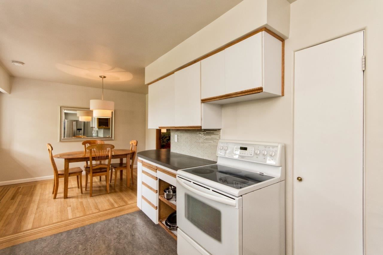 """Photo 8: Photos: 915 E 13TH Street in North Vancouver: Boulevard House for sale in """"Grand Boulevard"""" : MLS®# R2535688"""