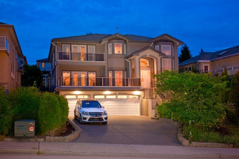 FEATURED LISTING: 3179 ARROWSMITH Place Coquitlam