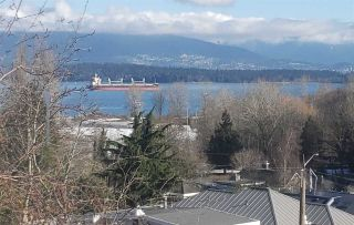 Photo 2: 4390 LOCARNO Crescent in Vancouver: Point Grey House for sale (Vancouver West)  : MLS®# R2501798