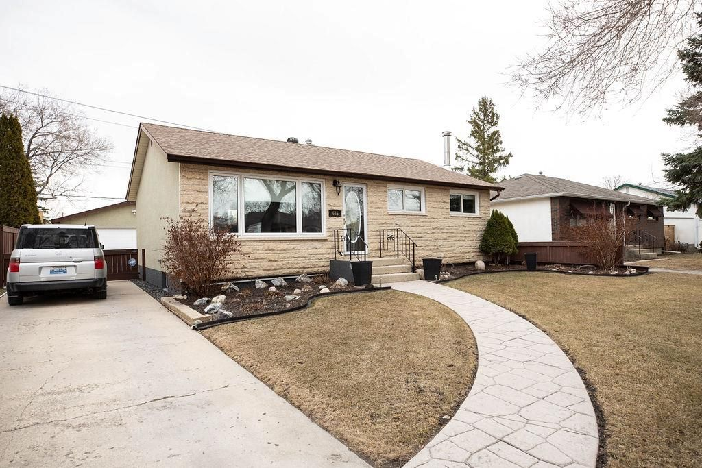 Main Photo: 645 Oakland Avenue in Winnipeg: North Kildonan Residential for sale (3F)  : MLS®# 202107268