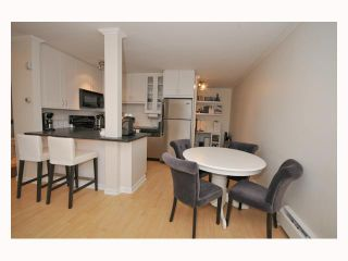 """Photo 9: 107 310 W 3RD Street in North Vancouver: Lower Lonsdale Condo for sale in """"DEVON MANOR"""" : MLS®# V788416"""