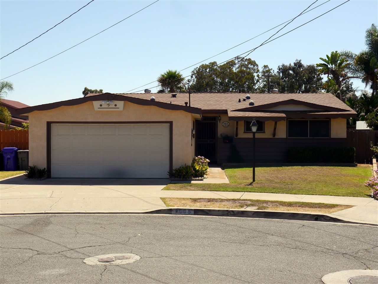 Main Photo: CLAIREMONT House for sale : 3 bedrooms : 7065 Cosmo Ct. in San Diego