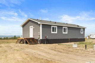 Photo 1: 40 Sunset Acres Lane in Last Mountain Lake East Side: Residential for sale : MLS®# SK840044