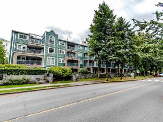 """Photo 2: 109 1189 WESTWOOD Street in Coquitlam: North Coquitlam Condo for sale in """"LAKESIDE TERRACE"""" : MLS®# R2483775"""