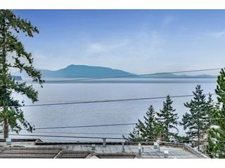 Photo 5: 14109 MARINE Drive: White Rock House for sale (South Surrey White Rock)  : MLS®# R2558613