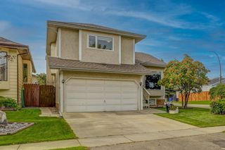 Photo 2: 871 Riverbend Drive SE in Calgary: Riverbend Detached for sale : MLS®# A1151442