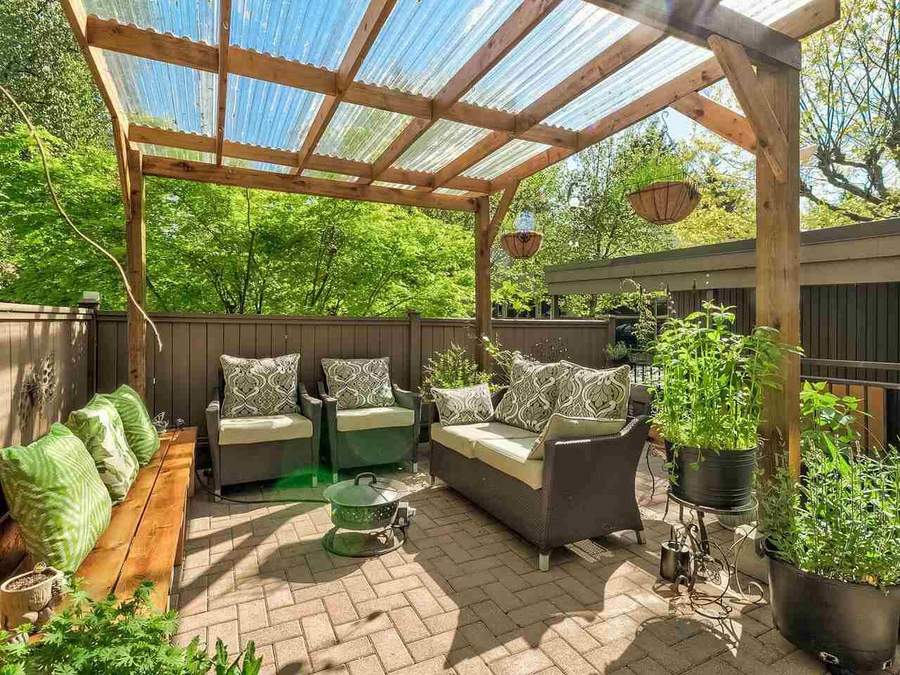 """Main Photo: 4787 DRIFTWOOD Place in Burnaby: Greentree Village Townhouse for sale in """"GreenTree Village"""" (Burnaby South)  : MLS®# R2576696"""