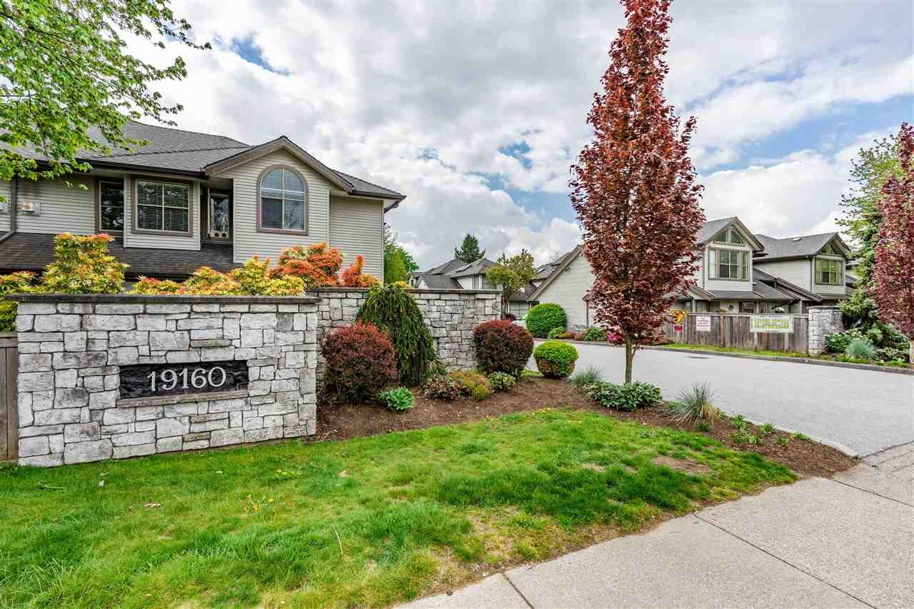 Main Photo: 27 19160 119 Avenue in Pitt Meadows: Central Meadows Townhouse for sale : MLS®# R2578173