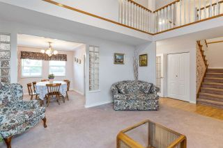 """Photo 7: 6356 187A Street in Surrey: Cloverdale BC House for sale in """"Eagle Crest"""" (Cloverdale)  : MLS®# R2586904"""