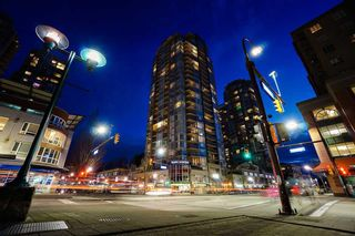 "Photo 2: 1103 2978 GLEN Drive in Coquitlam: North Coquitlam Condo for sale in ""Grand Central"" : MLS®# R2062885"