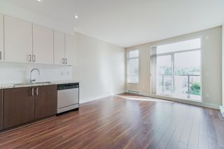 """Photo 4: 415 85 EIGHTH Avenue in New Westminster: GlenBrooke North Condo for sale in """"Eight West"""" : MLS®# R2618084"""