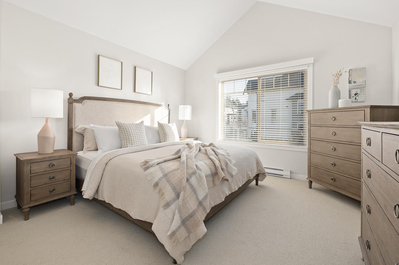 "Photo 15: Photos: 2452 165 Street in Surrey: Grandview Surrey Condo for sale in ""Hycroft"" (South Surrey White Rock)  : MLS®# R2545917"