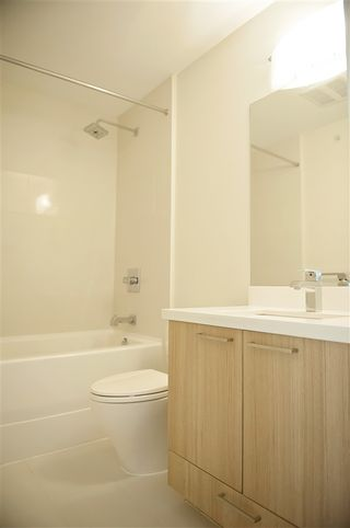 """Photo 5: 308 618 LANGSIDE Avenue in Coquitlam: Coquitlam West Townhouse for sale in """"BLOOM"""" : MLS®# R2377050"""