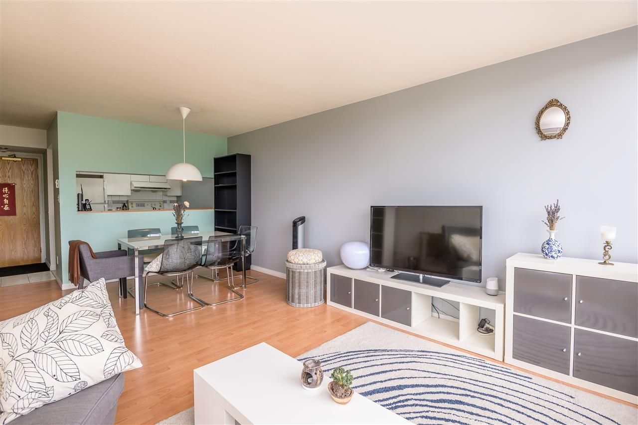 Photo 5: Photos: 603 9623 MANCHESTER Drive in Burnaby: Cariboo Condo for sale (Burnaby North)  : MLS®# R2381331