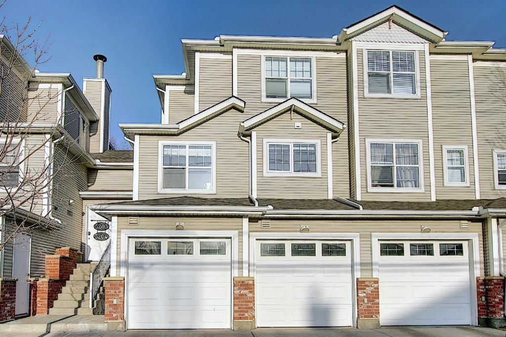 Main Photo: 3204 7171 Coach Hill Road SW in Calgary: Coach Hill Row/Townhouse for sale : MLS®# A1087587