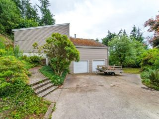 Photo 2: 115 MOUNTAIN Drive: Lions Bay House for sale (West Vancouver)  : MLS®# R2561948