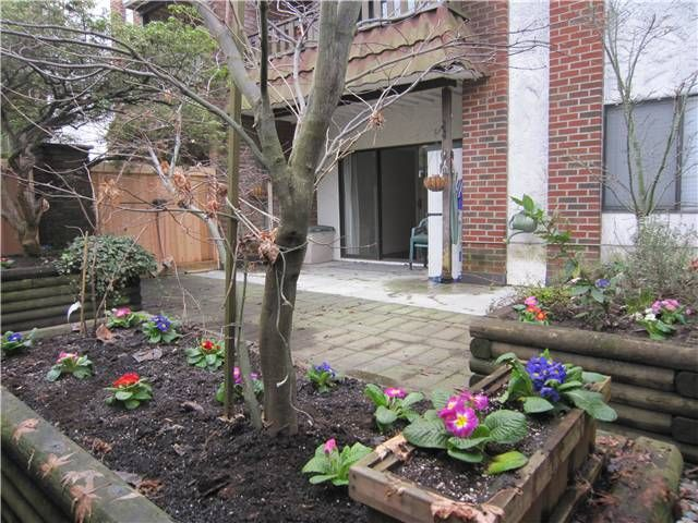"""Main Photo: 107 211 W 3RD Street in North Vancouver: Lower Lonsdale Condo for sale in """"Villa Aurora"""" : MLS®# V866514"""