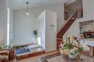 Photo 2: 7 Strandell Crescent SW in Calgary: Strathcona Park Detached for sale : MLS®# A1150531