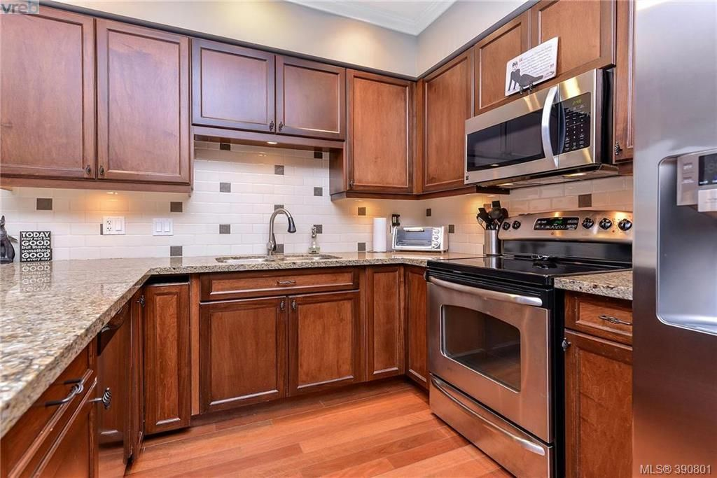 Main Photo: 307 755 Goldstream Ave in VICTORIA: La Langford Proper Condo for sale (Langford)  : MLS®# 785553