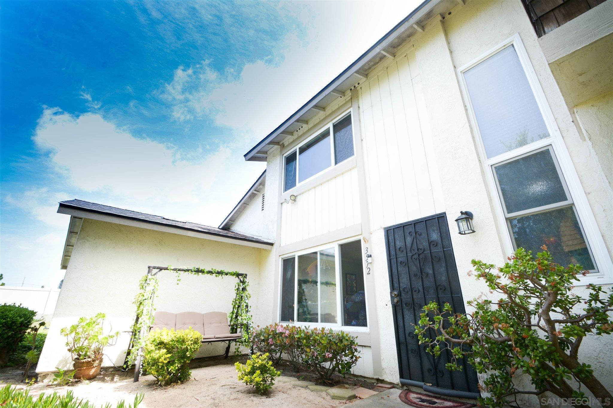 Main Photo: OCEANSIDE Condo for sale : 2 bedrooms : 3572 Surf Place