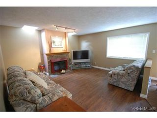 Photo 15: 3553 Desmond Dr in VICTORIA: La Walfred House for sale (Langford)  : MLS®# 635869
