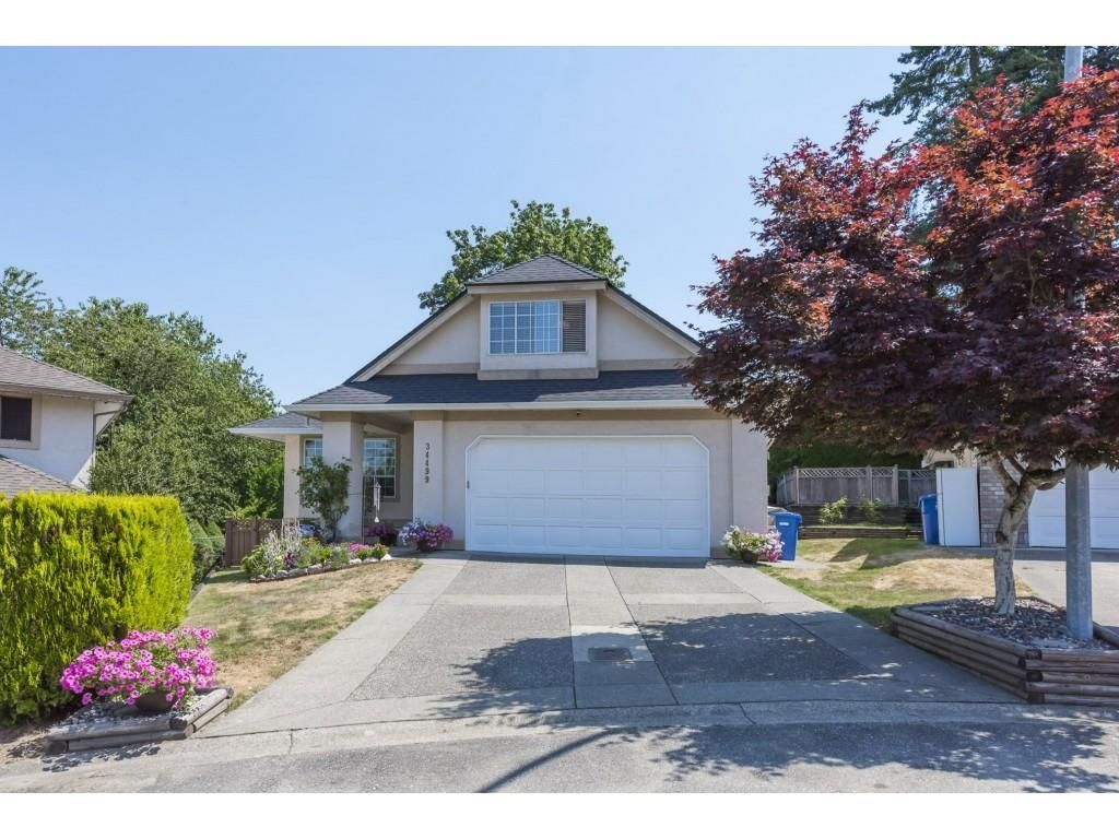 Main Photo: 34499 PICTON PLACE in Abbotsford: Abbotsford East House for sale : MLS®# R2600804
