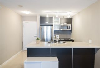 "Photo 2: 1802 9981 WHALLEY Boulevard in Surrey: Whalley Condo for sale in ""TWO PARK PLACE"" (North Surrey)  : MLS®# R2411312"