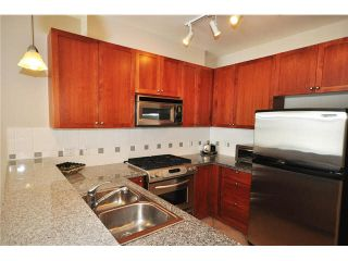 """Photo 8: 136 4280 MONCTON Street in Richmond: Steveston South Condo for sale in """"THE VILLAGE AT IMPERIAL LANDING"""" : MLS®# V1067463"""