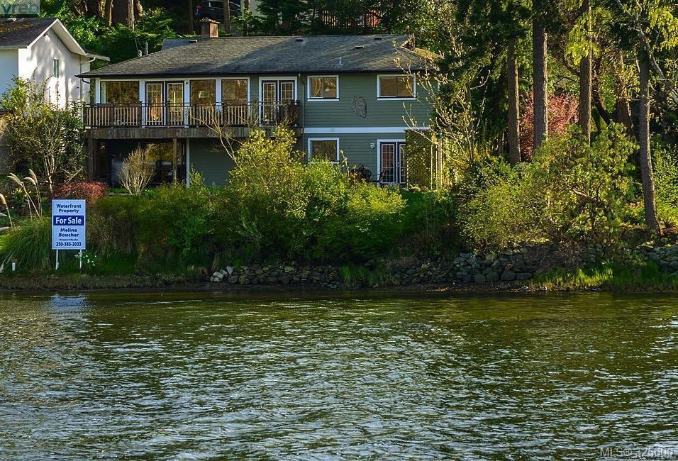 Main Photo: 944 Rankin Rd in VICTORIA: Es Kinsmen Park House for sale (Esquimalt)  : MLS®# 645208