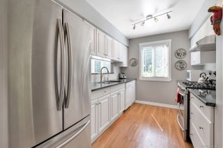 """Photo 4: 1750 LILAC Drive in Surrey: King George Corridor Townhouse for sale in """"Alderwood"""" (South Surrey White Rock)  : MLS®# R2262388"""