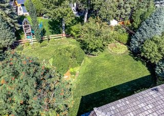 Photo 2: 151 Bay View Drive SW in Calgary: Bayview Detached for sale : MLS®# A1141688