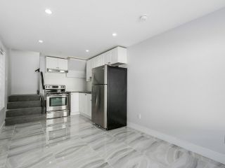 """Photo 16: 1455 E 61ST Avenue in Vancouver: Fraserview VE House for sale in """"FRASERVIEW"""" (Vancouver East)  : MLS®# V1142032"""