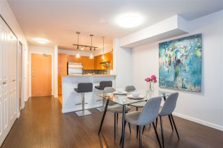 "Photo 2: 310 2181 W 12TH Avenue in Vancouver: Kitsilano Condo for sale in ""THE CARLINGS"" (Vancouver West)  : MLS®# R2243411"