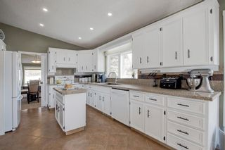 Photo 10: 96 Wood Valley Rise SW in Calgary: Woodbine Detached for sale : MLS®# A1094398