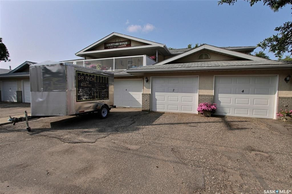 Main Photo: 6 20 18th Street West in Prince Albert: West Hill PA Residential for sale : MLS®# SK844760