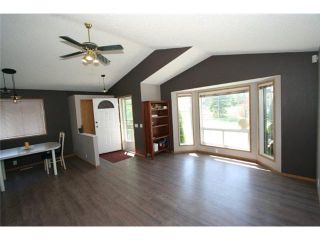 Photo 3: 70 MARTINWOOD Road NE in CALGARY: Martindale Residential Detached Single Family for sale (Calgary)  : MLS®# C3531197