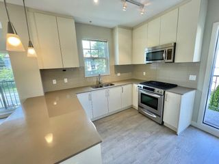 """Photo 4: 201 4135 SARDIS Street in Burnaby: Central Park BS Townhouse for sale in """"Paddington House"""" (Burnaby South)  : MLS®# R2620572"""