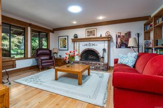Photo 12: 2982 Smith Rd in Courtenay: CV Courtenay North House for sale (Comox Valley)  : MLS®# 885581