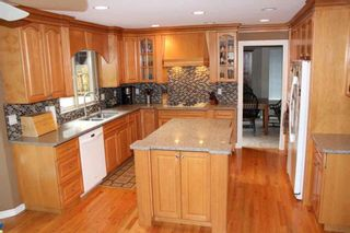 Photo 3: 4188 207 STREET in Langley: Brookswood Langley House for sale : MLS®# R2052049