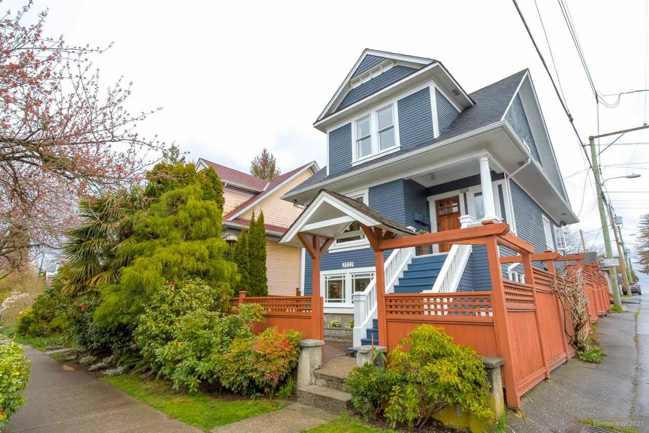 Main Photo: 2722 - 2724 CAROLINA Street in Vancouver: Mount Pleasant VE House for sale (Vancouver East)  : MLS®# R2563913