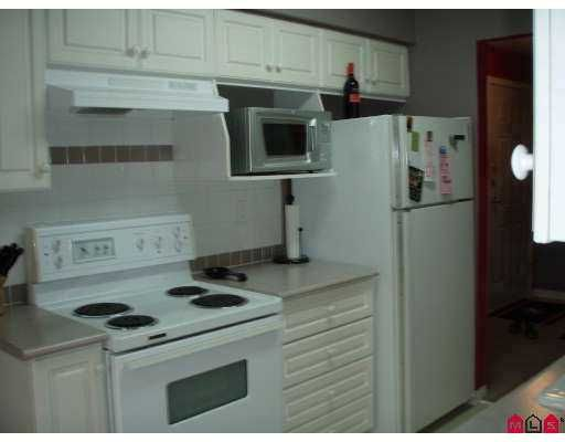 """Photo 3: Photos: 207 9865 140TH Street in Surrey: Whalley Condo for sale in """"Fraser Gate"""" (North Surrey)  : MLS®# F2714461"""