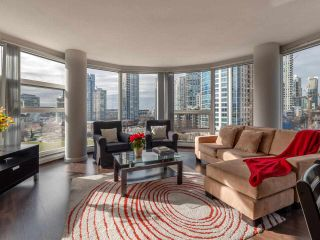 "Photo 7: 10C 199 DRAKE Street in Vancouver: Yaletown Condo for sale in ""CONCORDIA 1"" (Vancouver West)  : MLS®# R2539673"
