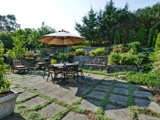 Photo 17: 1225 Queens Ave in : Vi Fernwood House for sale (Victoria)  : MLS®# 707576
