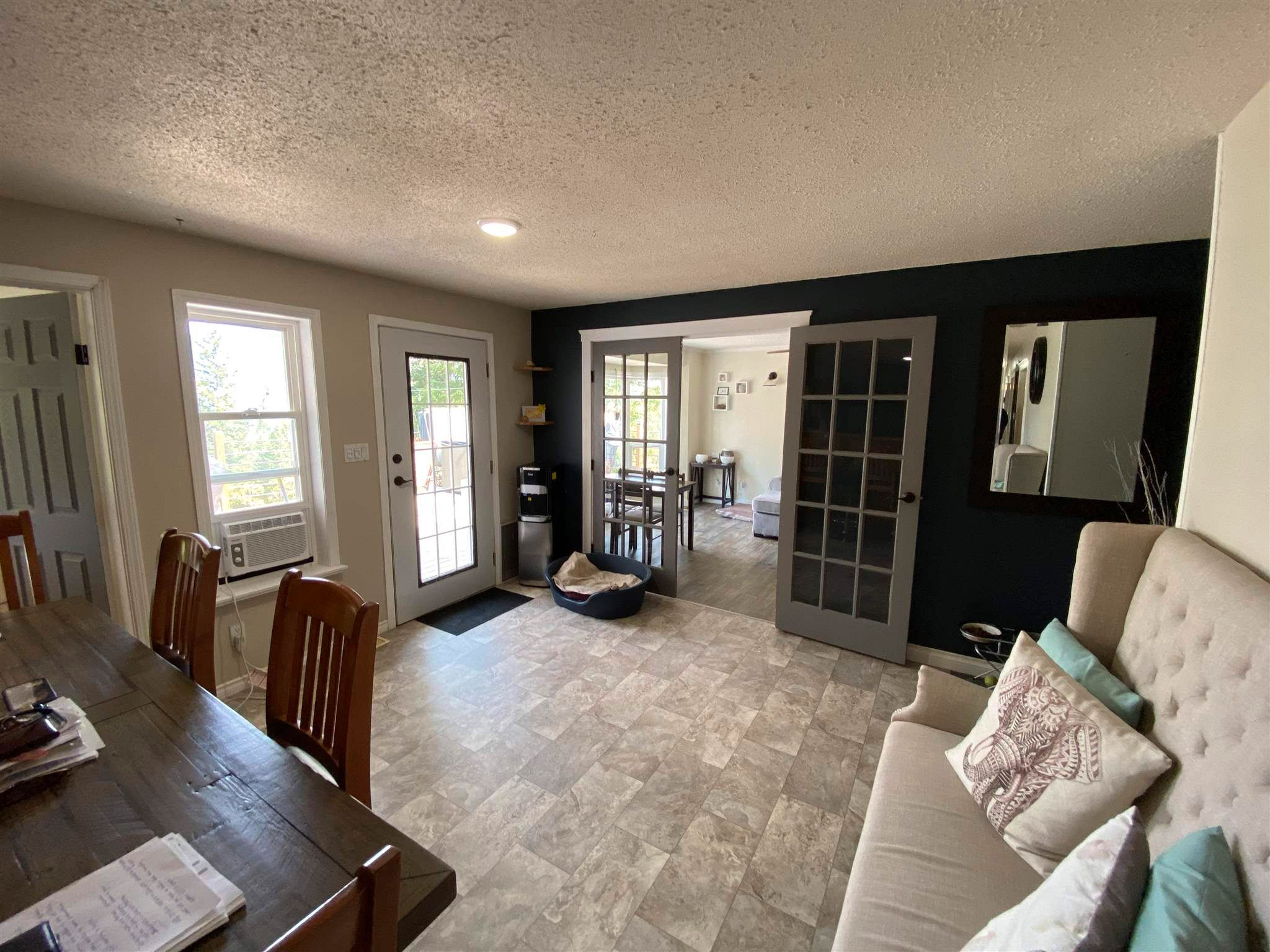 """Photo 9: Photos: 1806 JUNIPER Street in Williams Lake: Williams Lake - City House for sale in """"SOUTH LAKESIDE"""" (Williams Lake (Zone 27))  : MLS®# R2601973"""