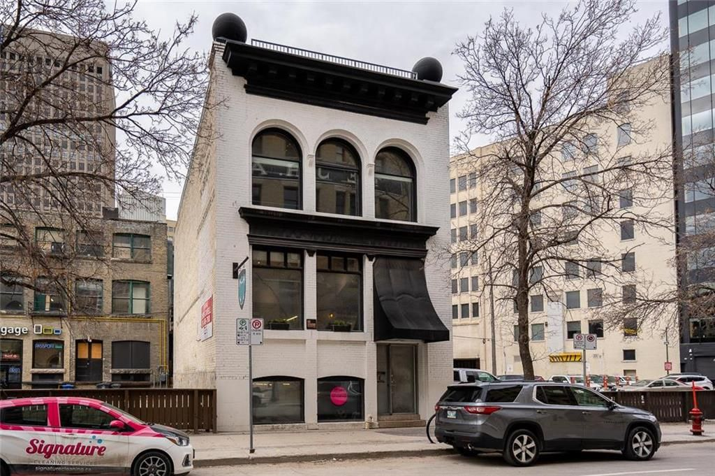 Main Photo: 168 Bannatyne Avenue in Winnipeg: Exchange District Residential for sale (9A)  : MLS®# 202124205